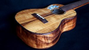 Blond Curly Koa custom tenor ukulele
