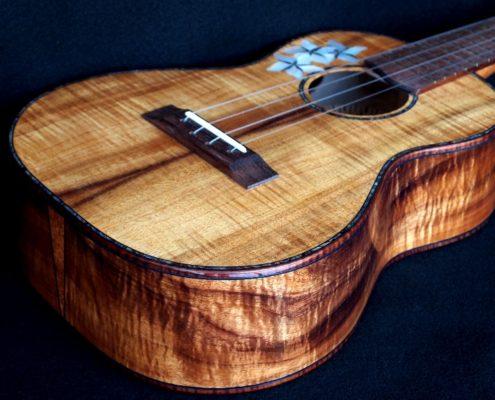 Blond Curly Koa custom tenor ukulele