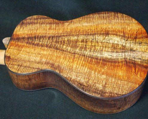 baritone ukuleles are getting hot again