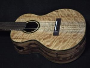 blond and chocolate myrtle super tenor ukulele