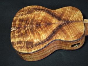 compresssion curl koa tenor ukulele