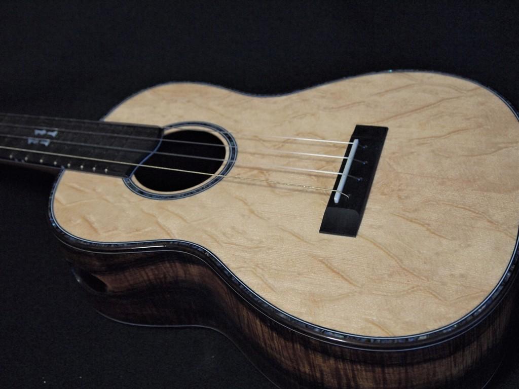 koa and bearclaw standard tenor ukulele
