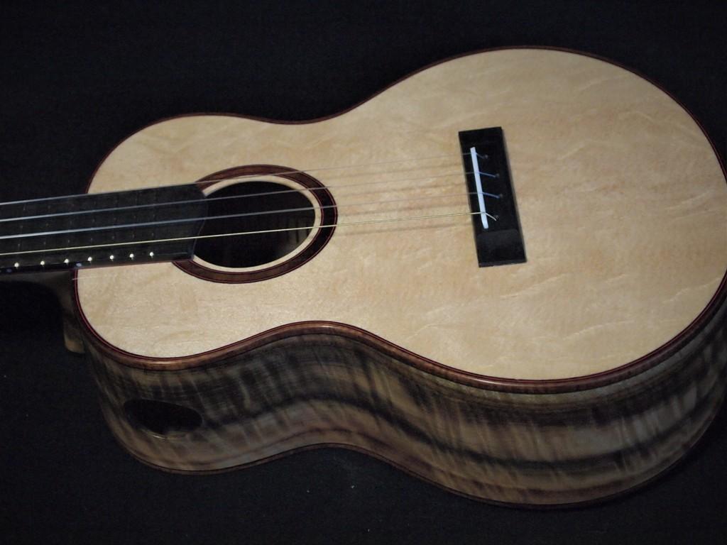 bear claw Alaskan spruce ukulele