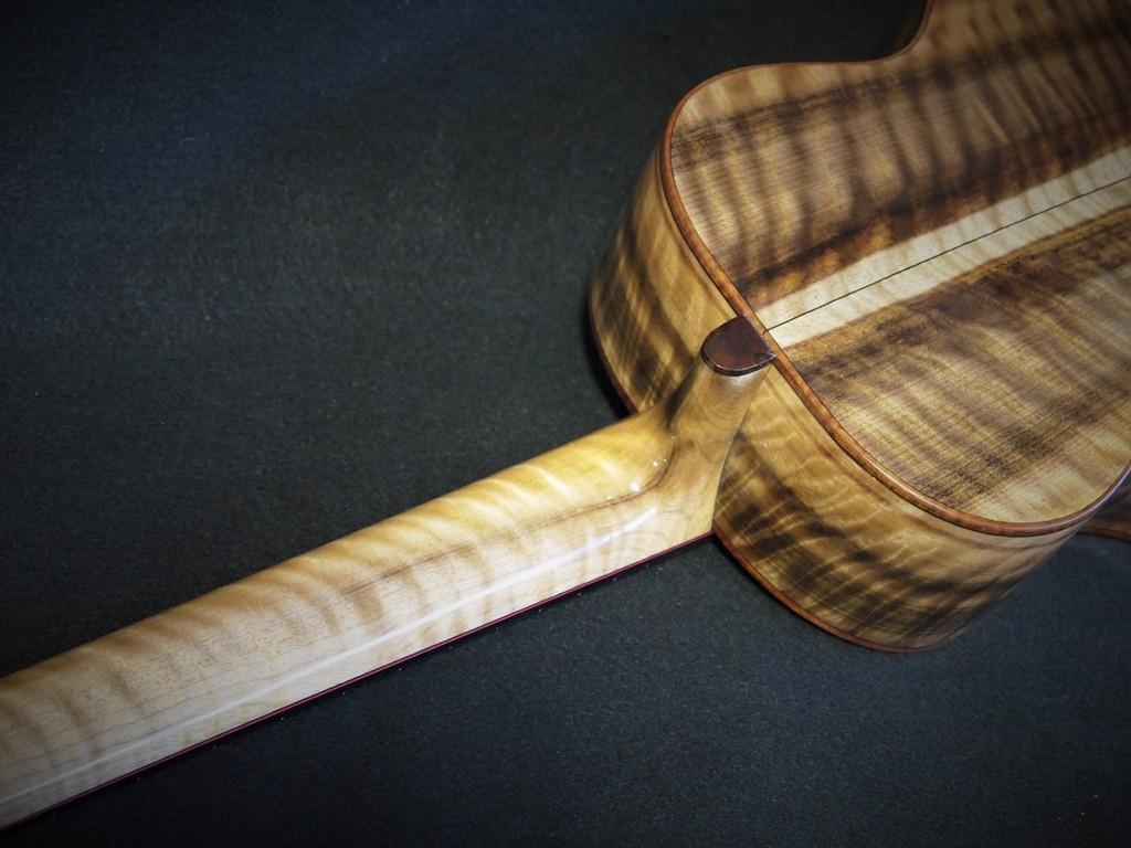 curly myrtle wood neck super tenor ukulele