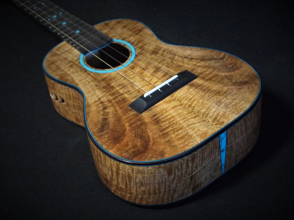 turquoise mango tenor ukulele
