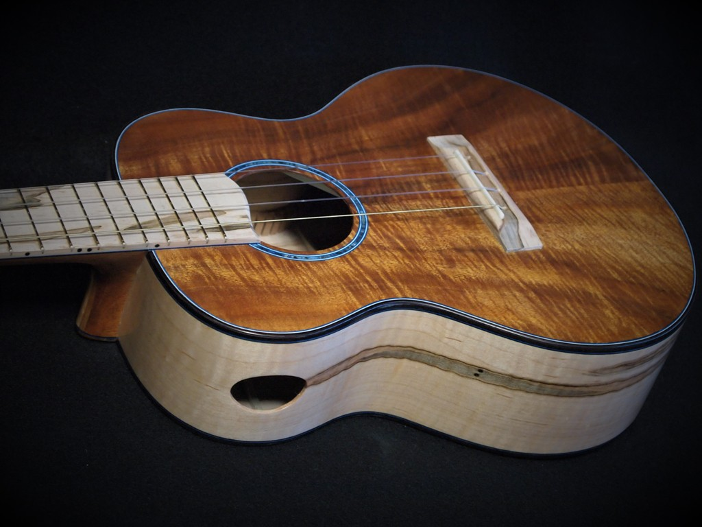 ambosia super tenor ukulele