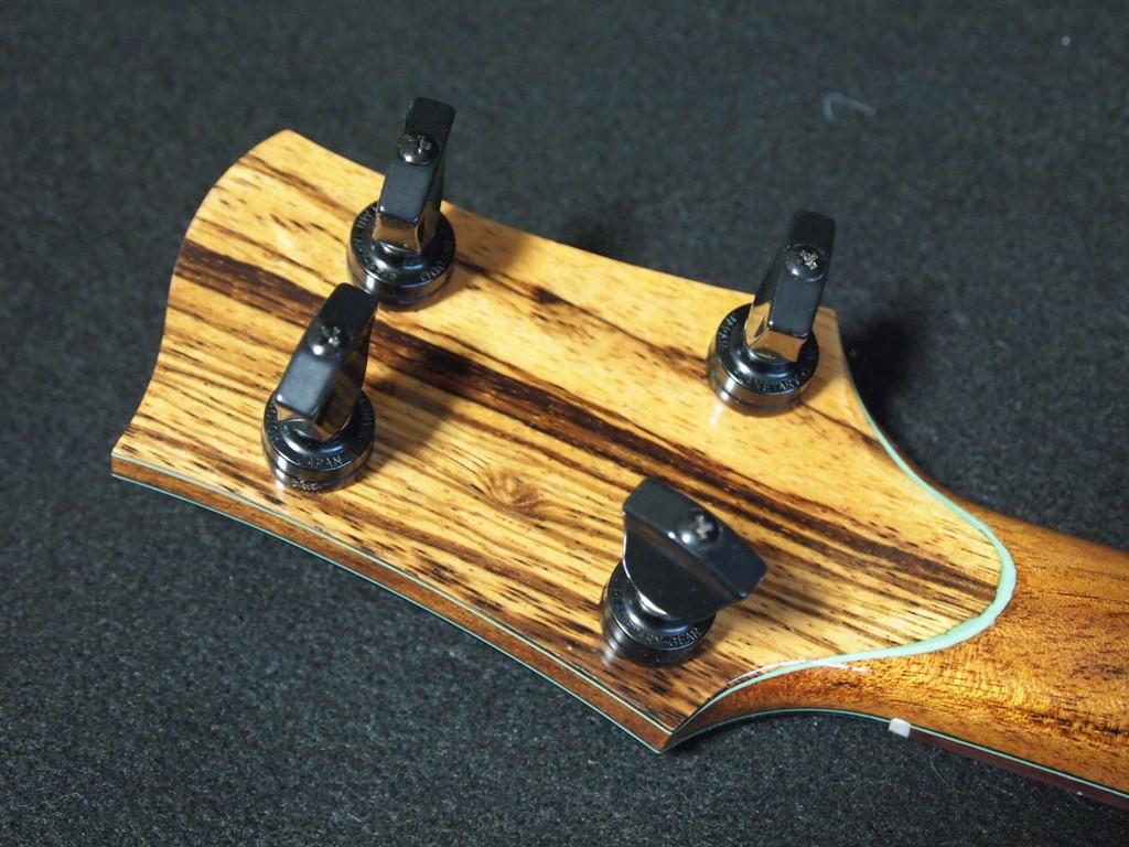 ukulele backstrap