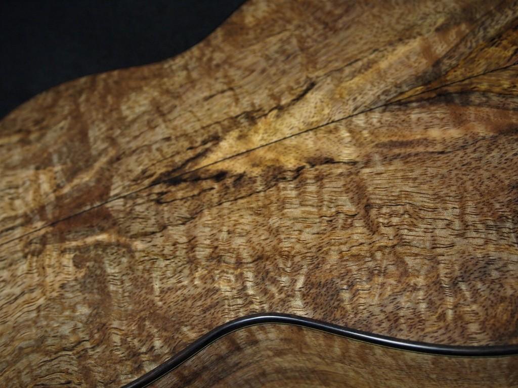 cholcolate heart mango wood