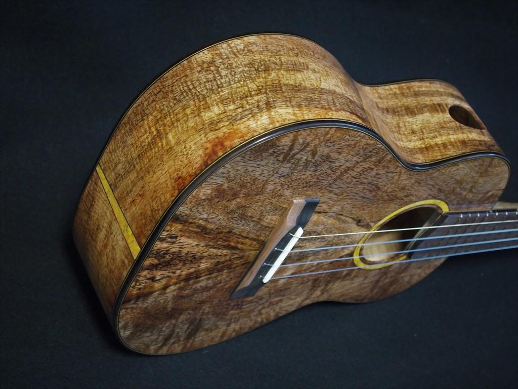 sweet mango tenor ukulele