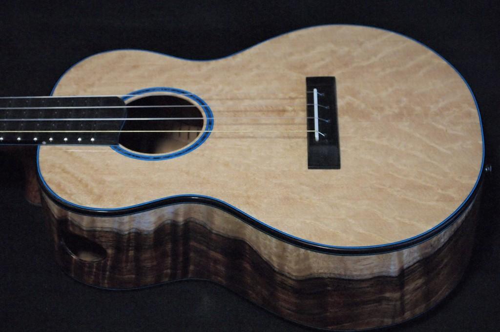 lava lamp super tenor ukulele